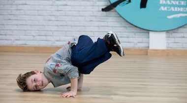 Isla Rose Dance Academy - Breakdance